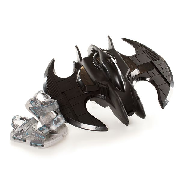 22518-21933-BATMAN-BATWING--12-